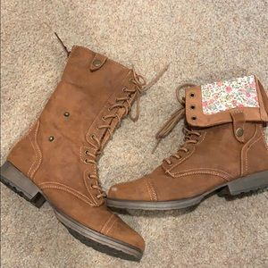 Tan combat fold over boots